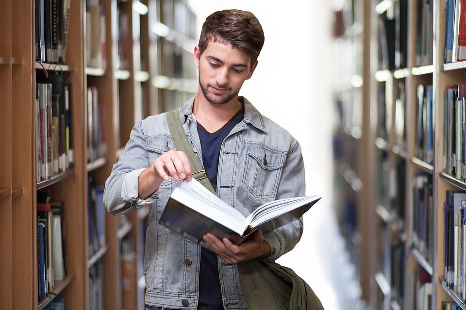 Elindult a jelentkezés az egyetemek, főiskolák szeptemberben induló képzéseire