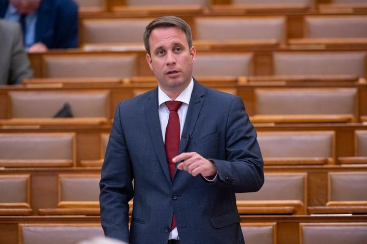 Dömötör Csaba bejelentette, hogy mik lesznek a konzultáció témái