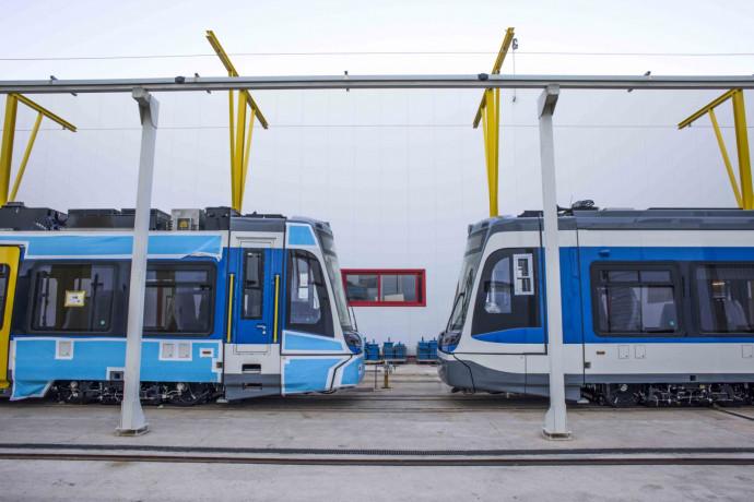 Úton van Magyarországra a harmadik tram-train