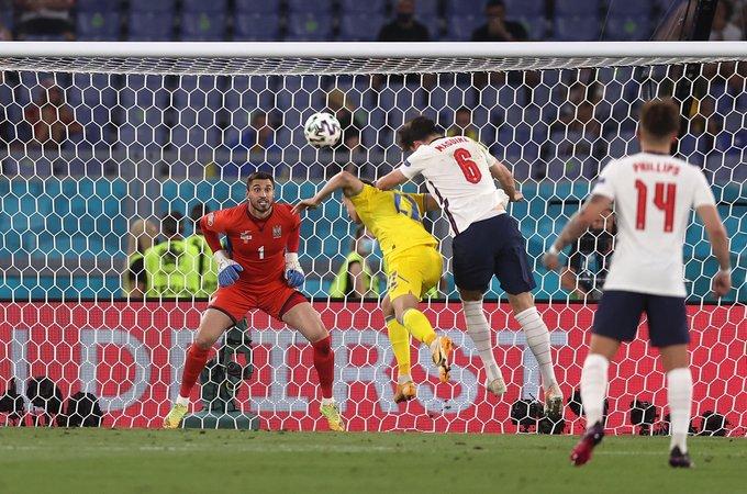Anglia négy gólt lőve jutott a legjobb négy közé