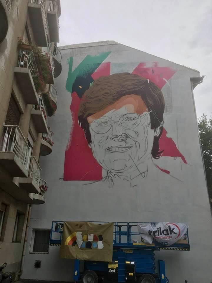 Budapesti tűzfalra festik fel Karikó Katalin arcképét