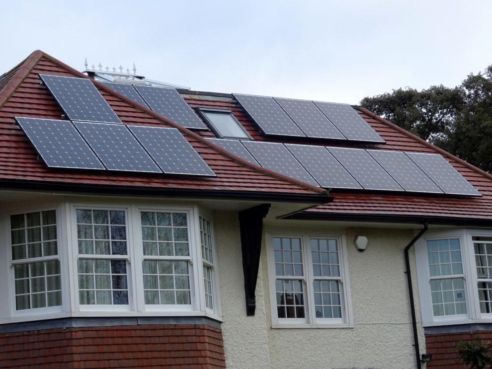 Megvannak a határidők, ha ingyenes napelem támogatást venne igénybe