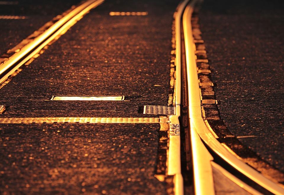 track-3678287_960_720